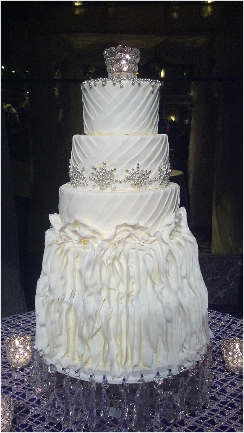 Wondrous Wedding Cakes That Mirror Your Wedding Dress Incredible Endings Personalised Birthday Cards Paralily Jamesorg